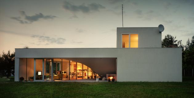 the outrial house by kwk promes The House with the Grass Roof   The OUTrial House in Ksiazenice, Poland