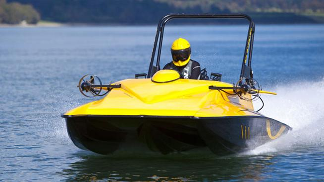 the yellow scuba craft Can Your Boat Dive 100 Feet Under Water?