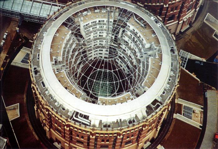 vienna gas tank gasometer aerial rennovation Industrial Renovation: The Gasometers of Vienna
