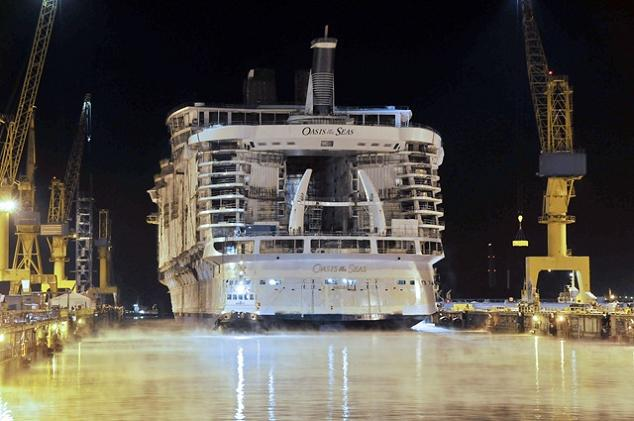 big boat oasis of the seas The Largest Cruise Ship in the World is Five Times the Size of the Titanic