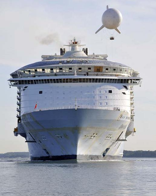 bigget passenger ship ever oasis of the seas The Largest Cruise Ship in the World is Five Times the Size of the Titanic