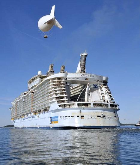 royal caribbeans oasis of the sea The Largest Cruise Ship in the World is Five Times the Size of the Titanic