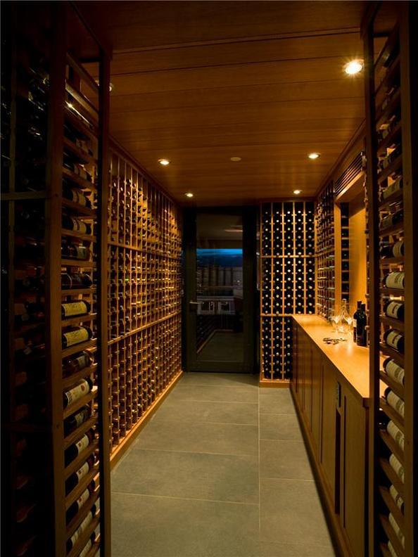 Vorratskamer Wine-cellar-in-luxury-condominium