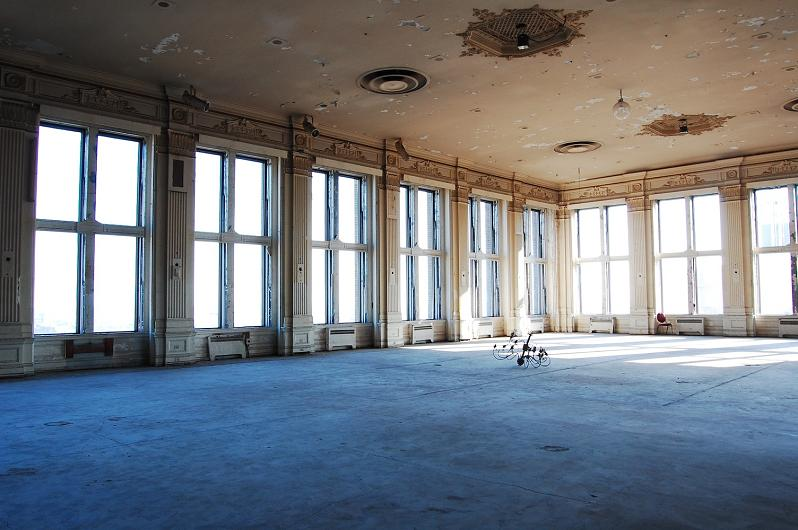 abandoned crystal ball room on the top floor of the king edward hotel downtown toronto Picture of the Day   December 5, 2009