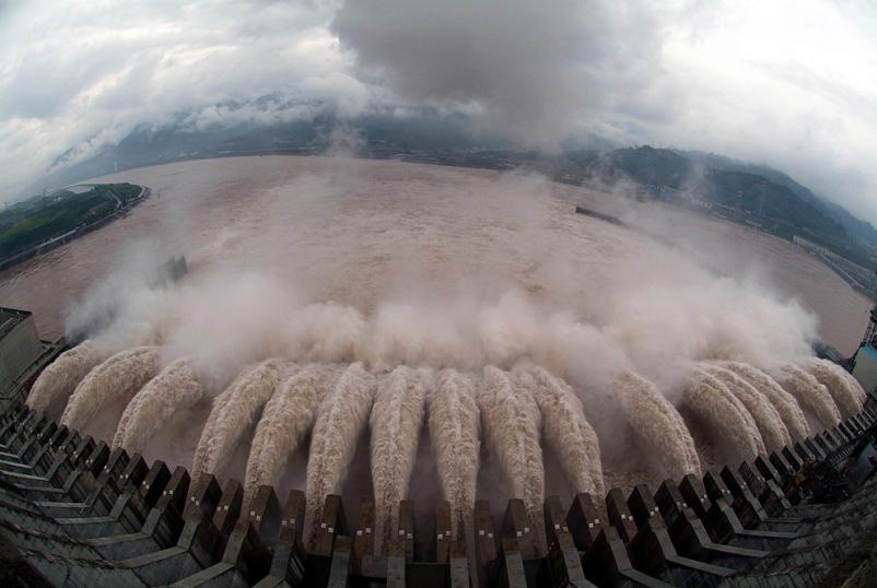 opening the floodgates three gorges dam china Picture of the Day   December 26, 2009