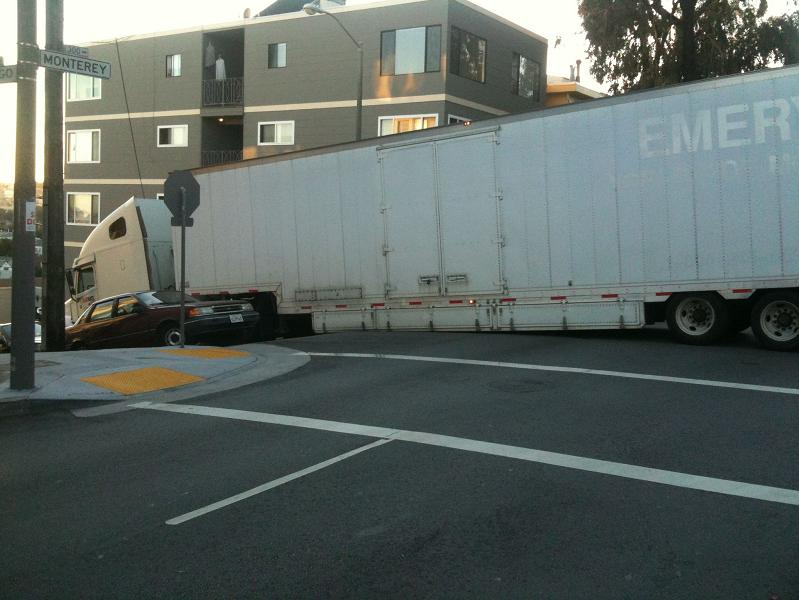 truck car stuck on san francisco road hill street Picture of the Day   December 4, 2009