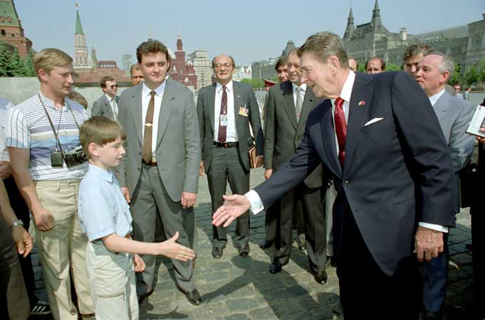 vladimir putin kgb with ronald reagan in moscow Picture of the Day   January 21, 2010