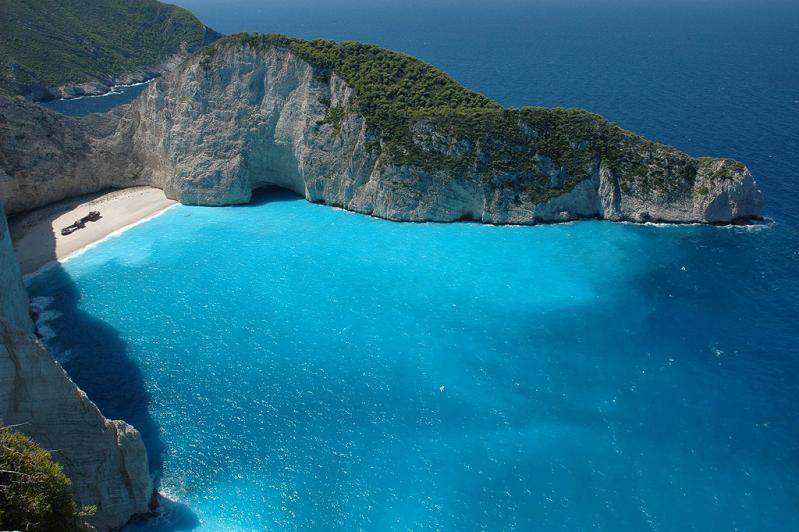 nicest beach in the wrold shipwreck beach smugglers cove navagia beach zakynthos greece Picture of the Day   February 1, 2010