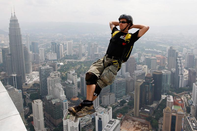 base jumping off menara kuala lumpur tower Picture of the Day   March 31, 2010