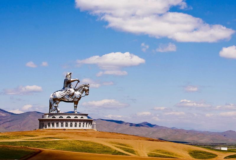 giant genghis khan statue on horse Picture of the Day   March 2, 2010