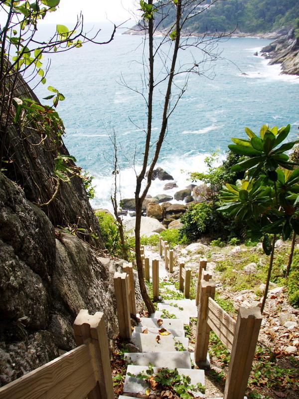 kamala-beach-phuket-thailand