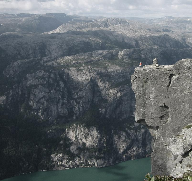 kjerag-or-kiragg-mountain-in-norway