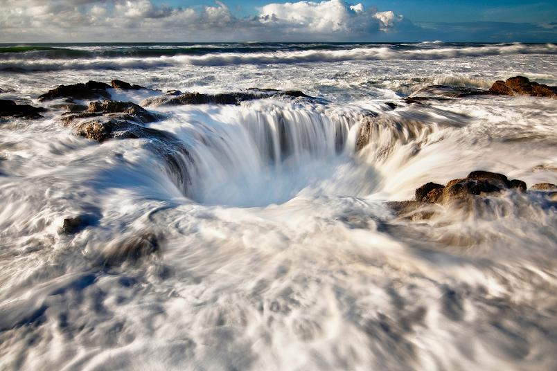 thors well at cooks chasm at cape perpetua oregon Picture of the Day   Thor's Well at Cape Perpetua