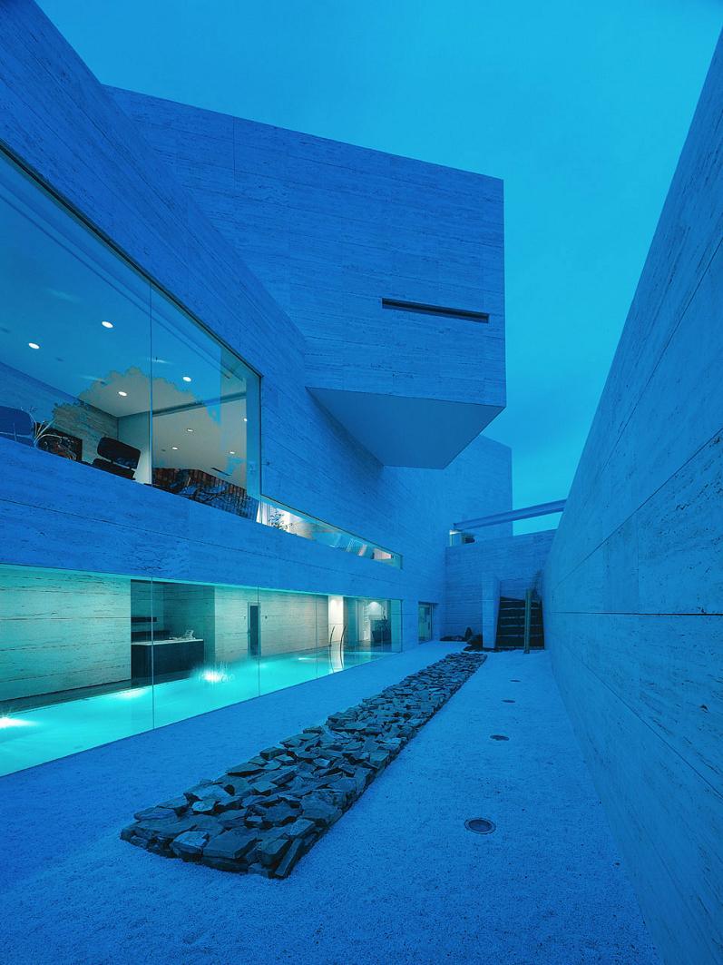 a cero architecture Mega Mansion in Madrid by A Cero