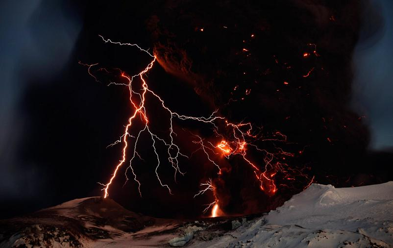 lightning and fire from volcano in iceland Picture of the Day   April 20, 2010