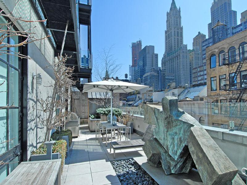 private rooftop terrace new york city tribeca A Townhouse in the Sky