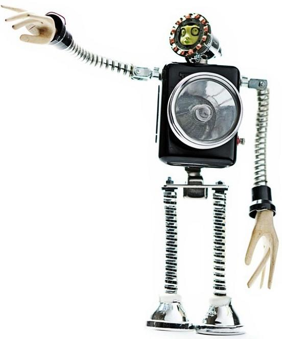 robotic figures by andrea petrachi Incredible Robot Sculptures Made from Old Electronic Parts