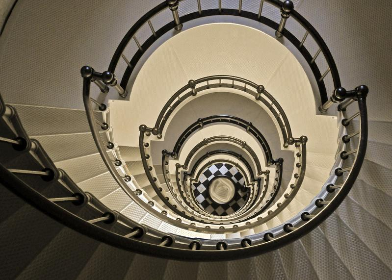 spiral staircase from top looking down 25 Stunning Images of Spiral Staircases