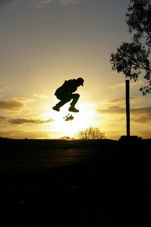 16 kickflip silhouette skater The Art and History of the Kickflip [21 pics]