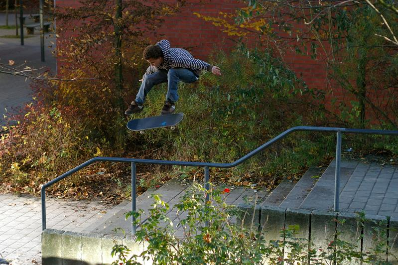 20 incredible skateboarder The Art and History of the Kickflip [21 pics]