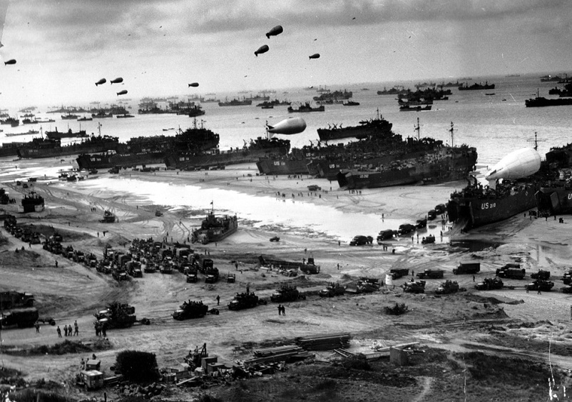dday aerial of beach Picture of the Day   June 8, 2010