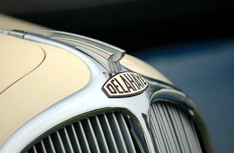 delahaye emblem closeup Incredible Gallery of Art Deco Vehicles