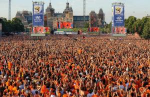 fans in netherlands gathering to watch world cup final fans in netherlands gathering to watch world cup final