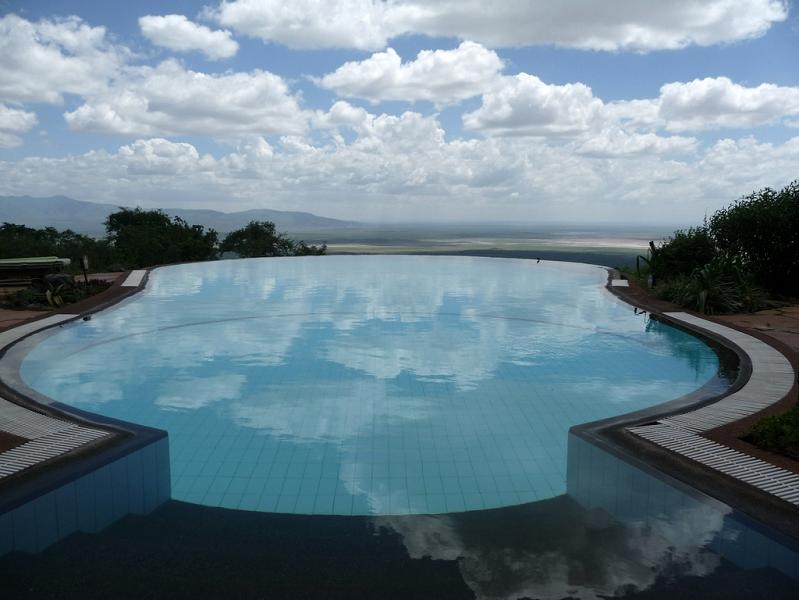 lake-manyara-serena-lodge-tanzania-infinity-pool