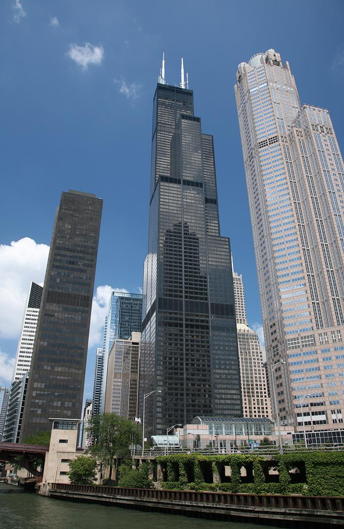 sears tower chicago 5 Buildings So Big They Have Their Own ZIP Code!
