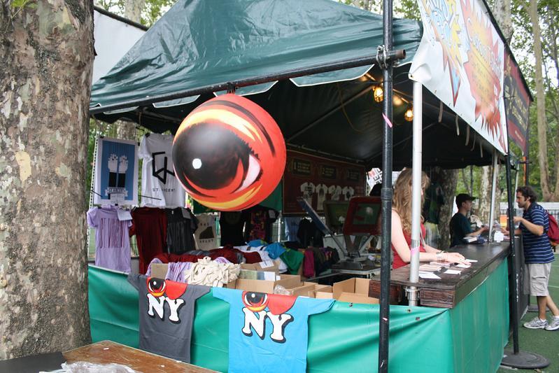 eyeballs in new york STREET ART: Eye Heart NYC by Peat Wollaeger [21 pics]