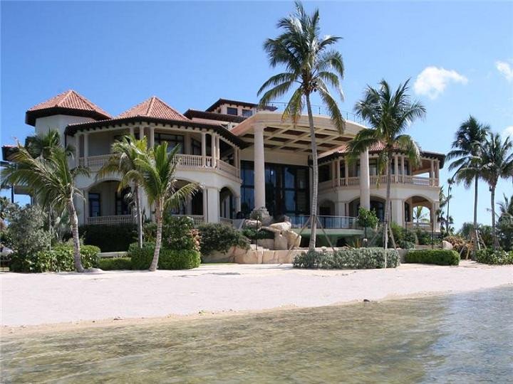 mansion on the water castillo caribe cayman The $60 Million Mansion on the Ocean: Castillo Caribe, Cayman Islands