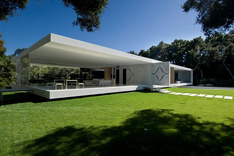 open concept home in california Mr. Hermanns Opus: The Glass Pavilion in Montecito, California