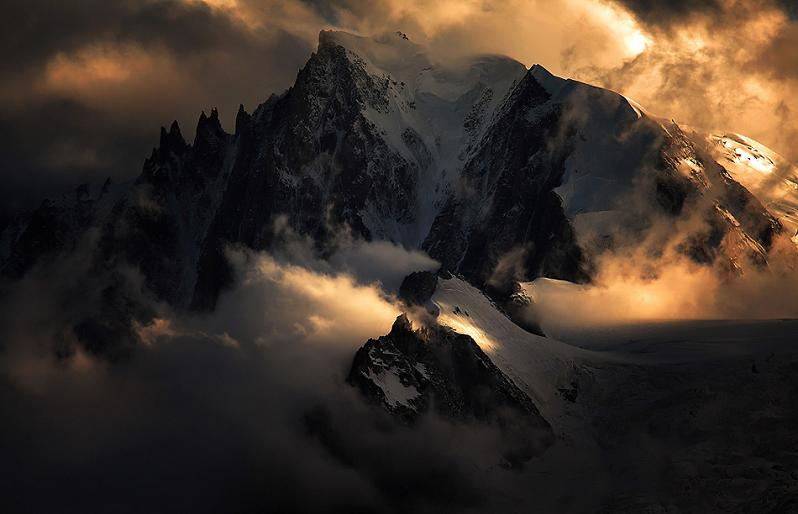 top of mont blanc peak summit1 Picture of the Day   August 15, 2010