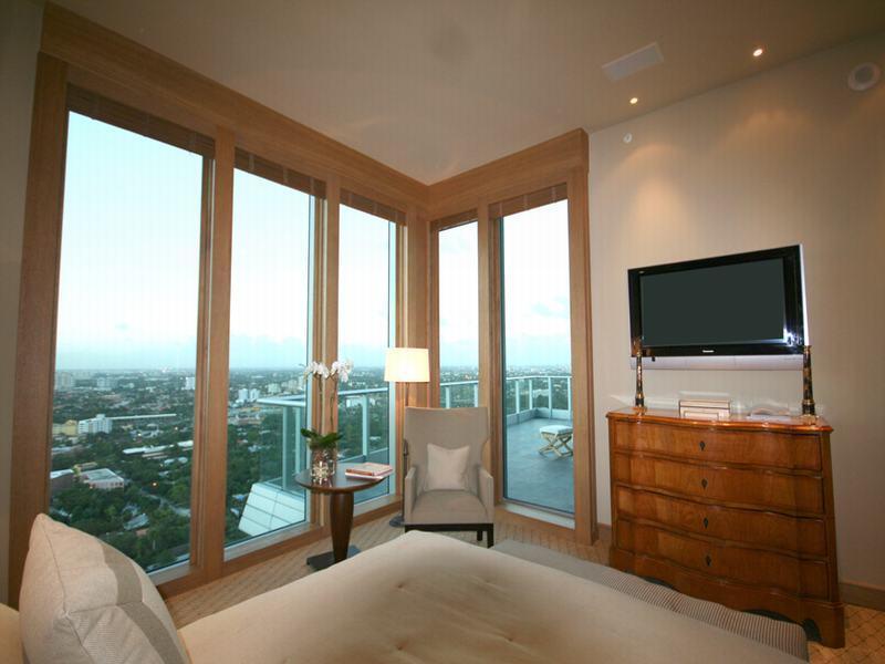 12 penthouse in miami grovenor house Grovenor House: $17 Million Penthouse in Miami [22 pics]