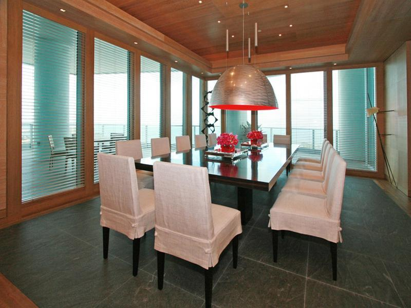 http://twistedsifter.com/wp-content/uploads/2010/09/3-penthouse-in-miami-grovenor-house.jpg