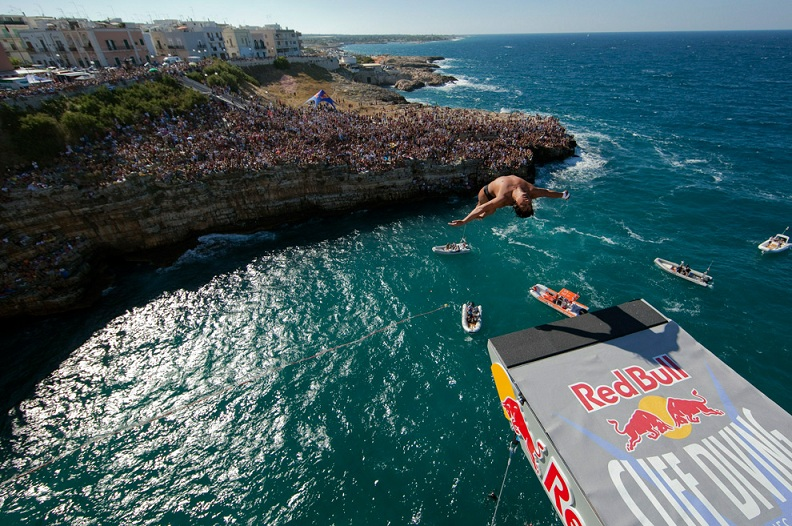 eber pava red bull cliff diving world series 2010 polignano italy Picture of the Day   September 15, 2010