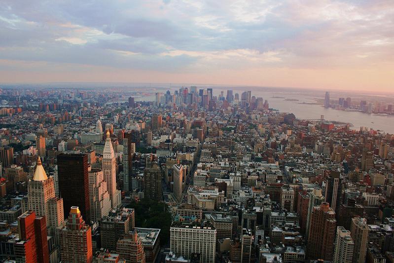manhattan new york city skyline 15 Spectacular Skylines Around the World