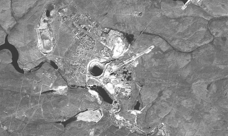 mir mine mirny diamond mine siberia The Largest Open Pit Diamond Mine in the World
