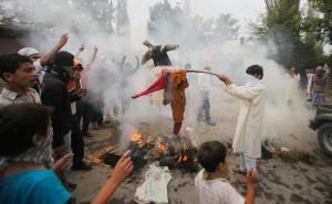 protests in kashmir 2010 burning effigies protests in kashmir 2010 burning effigies