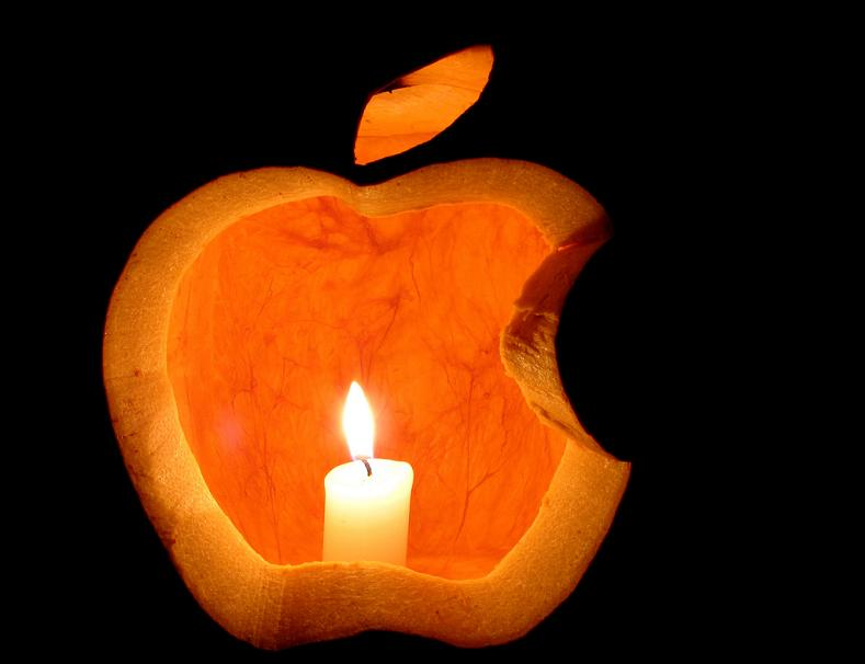 apple logo pumpkin 25 Mind Blowing Halloween Pumpkins