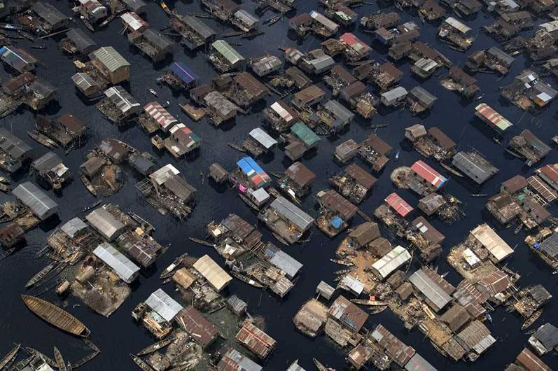boat-houses-lagos-nigeria-aerial
