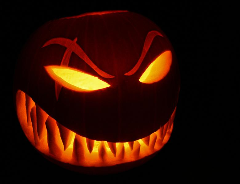 simple evil pumpkin 25 Mind Blowing Halloween Pumpkins