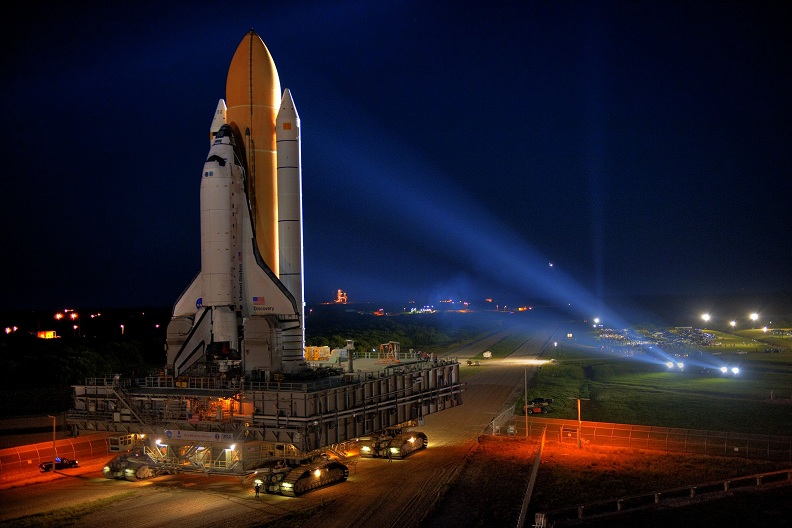sts 133 rolling shuttle to launch pad Picture of the Day   October 7, 2010