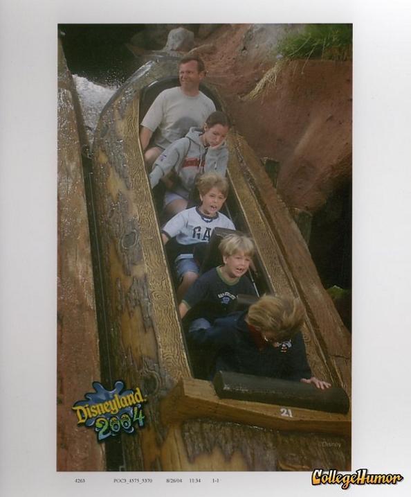 funny splash mountain bored 21 Hilarious Pics from Disney Worlds Splash Mountain
