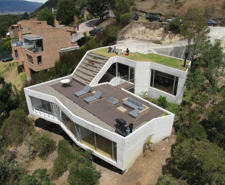 house on a steep hill green living roof plan b arquitectos giancarlo mazzanti 3 Beautiful Home on a Steep Hill with Incredible View [14 pics]