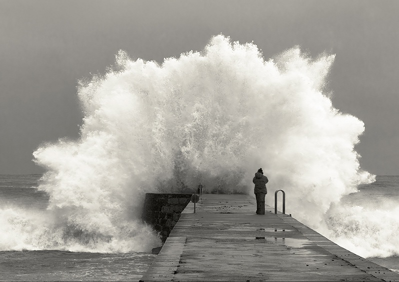 huge wave crashing on pier dock Picture of the Day: CRASHING WAVE