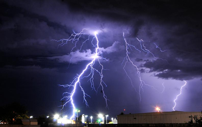 lightning bolts Natures Fury: 30 Chilling Photos of Natural Hazards