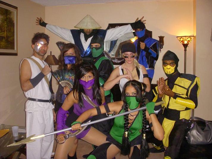 street fighter mortal kombat group halloween costume 25 Hilarious Halloween Costumes