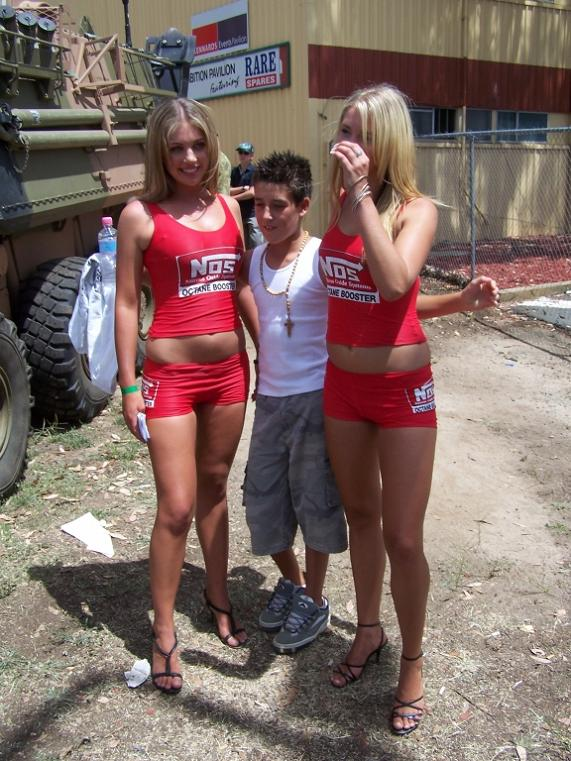 hover hands funny 21 25 Funniest Hover Hand Pictures