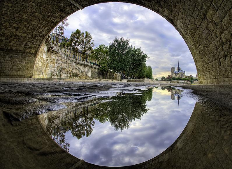 notre dame paris Picture of the Day: Under the Bridge, Notre Dame